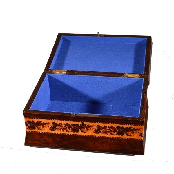 antique-tunbridge-ware-box-printed-card-beach-scene-bathing-hut-dsc_7174