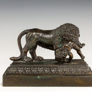ANTIQUE REGENCY BRONZE OF A LION AND BABY
