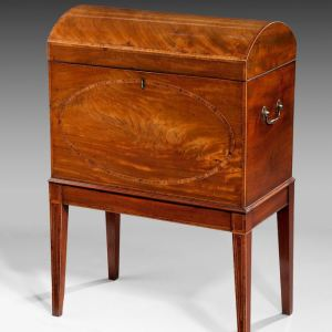 ANTIQUE GEORGE III DOME TOP MAHOGANY CELLARET ON LEGS