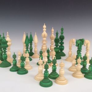 ANTIQUE GREEN & WHITE IVORY PEPYS CHESS SET