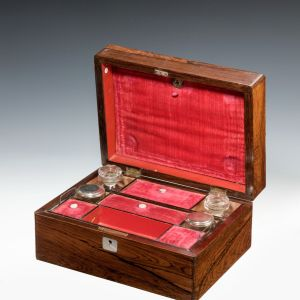 ANTIQUE LADIES ROSEWOOD DRESSING CASE