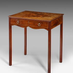 ANTIQUE GEORGE III MAHOGANY END TABLE