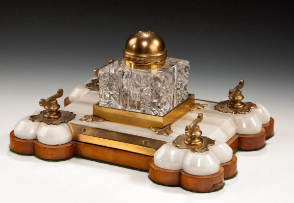 ANTIQUE BETJEMANNS PARTNERS SATINWOOD ONYX & GILT INKSTAND