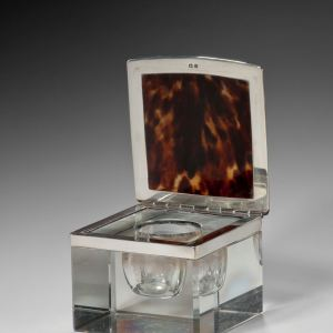 ANTIQUE ASPREY SILVER, TORTOISESHELL & GLASS INKWELL