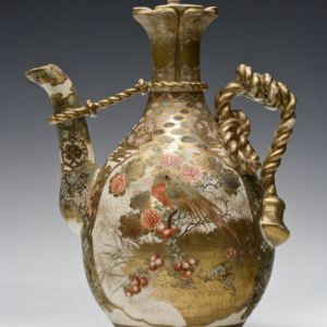 JAPANESE SATSUMA LARGE & ORNATE TEAPOT