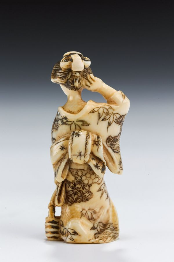 ivory-okimono-bare-breasted-oriental-lady-antique-5500_1_5500