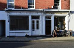 Richard Gardner Antiques, Emsworth showroom