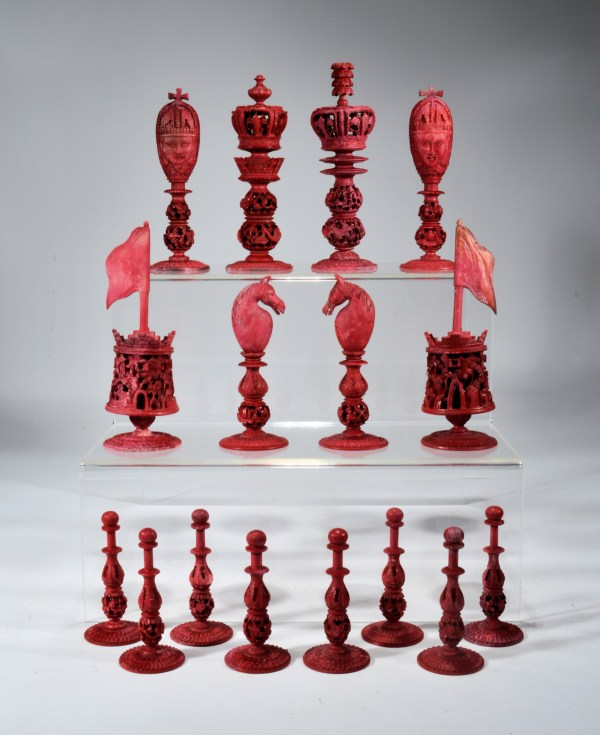 antique-chess-set-chinese-burmese-ivory-red-white-DSC_9443