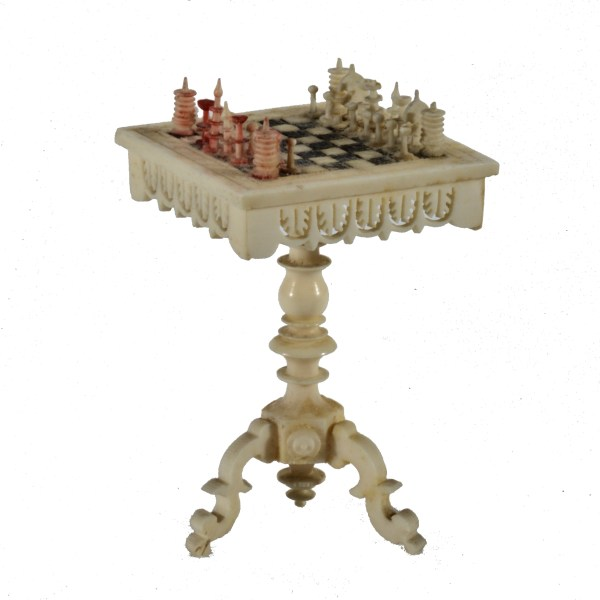 ANTIQUE MINIATURE BONE CHESS TABLE & CHESS SET