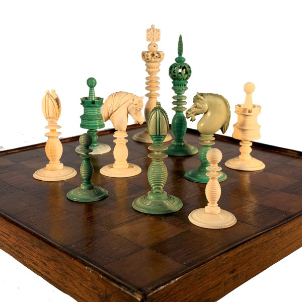 ANTIQUE IVORY GREEN & WHITE CHESS SET BY WILLIAM LUND