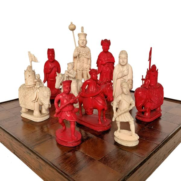 ANTIQUE CANTONESE KING GEORGE III IVORY CHESS SET