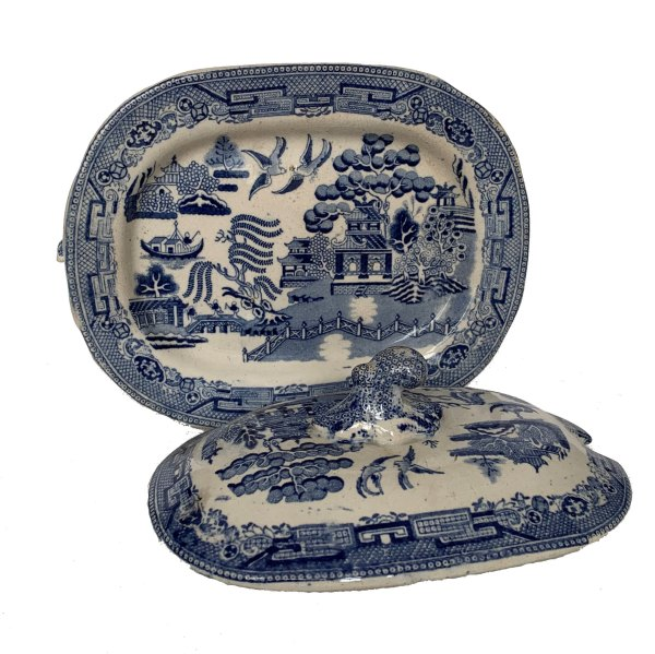 antique-blue-white-willow-pattern-tureen-cover-stand-IMG_3348a