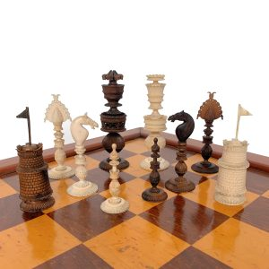 ANTIQUE ANGLO-INDIAN VIZAGAPATAM IVORY CHESS SET