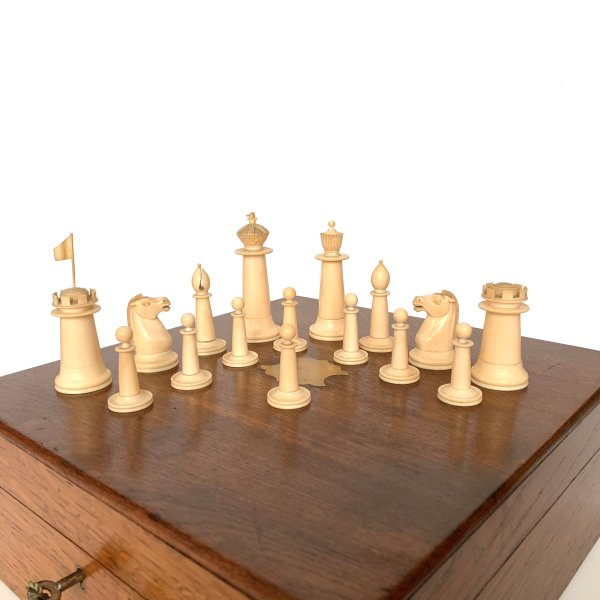 antique-anglo-indian-ivory-chess-set-IMG_3902