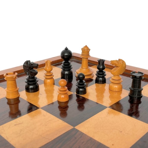 FIND ANTIQUE HOWARDS WOODEN CHESS SET FOR SALE IN UK