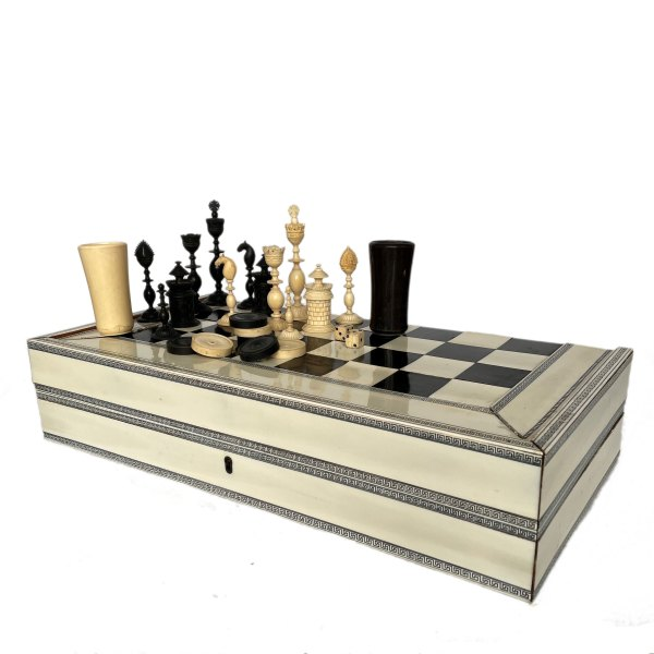 FIND ANTIQUE IVORY CHESS AND BACKGAMMON SETS FOR SALE IN UK