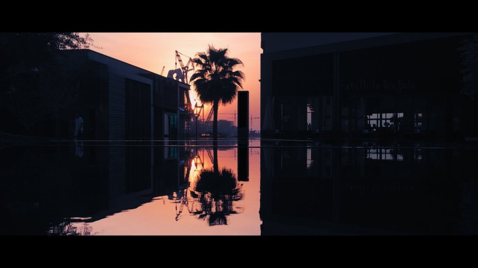 Cinematic iPhone Footage - Reflection 100%