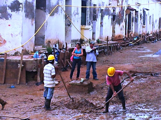 Excavating the Plaza de la Concepcion in Mompox