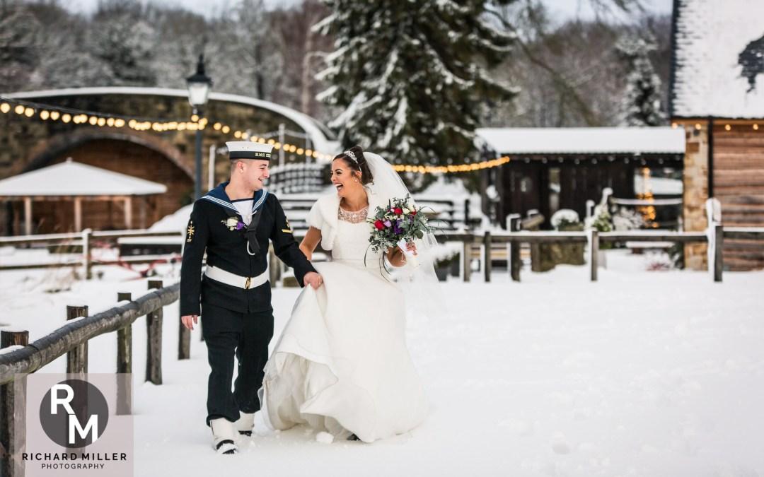 Tower Hill Barns Wedding Photographer – Leanne & Brad
