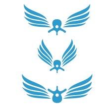 Første utkast til kiropraktor-logo: kombinasjon av vinger og vertebrae (ryggvirvel). Ser det mer ut som aliens?