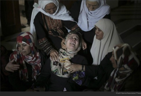 gaza mother mourns