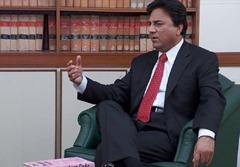 Naeem Bukhari popular Pakistani TV anchor