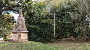 Finedon Obelisk
