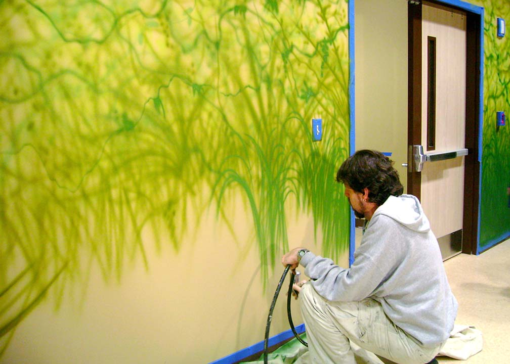 Atlanta Muralist Rick Baldwin Painting a Jungle Mural