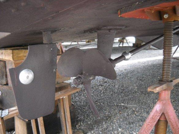 Bottom freshly painted, zincs installed.