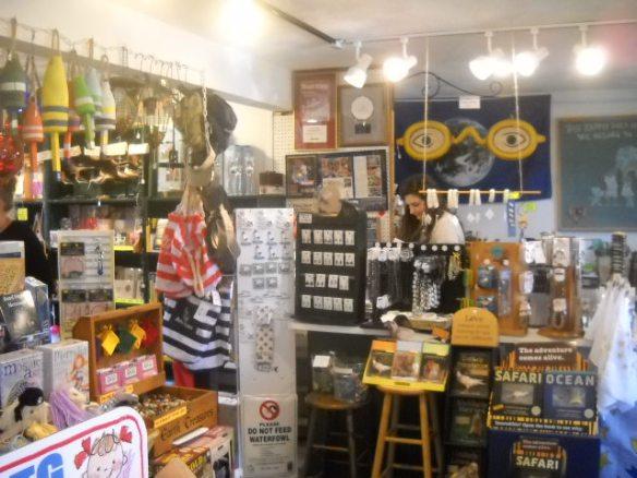 Souvernier shop.