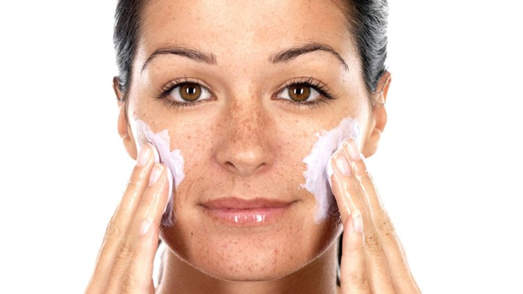 How to Treat Blackheads, Blackhead Causes Prevention and Remedy