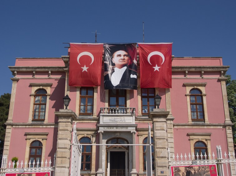 Финална доза Ататюрк-мания