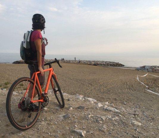 A Bibione in spiaggia per la 5 Acque Gourmet Gravel Ride