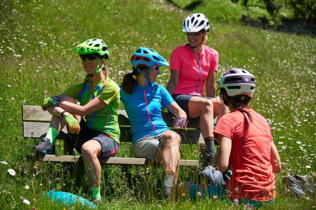 Sara Taiocchi by bike in Val di Fassa for Girlstories