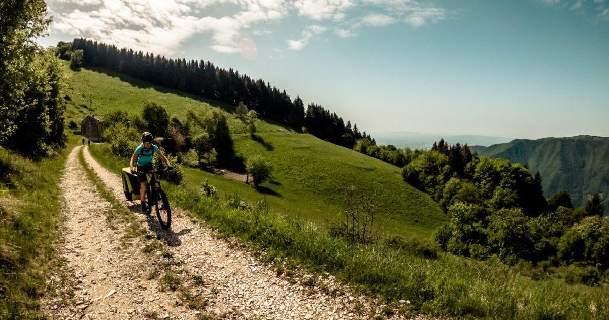 giri in bici in mountain bike con i bimbi