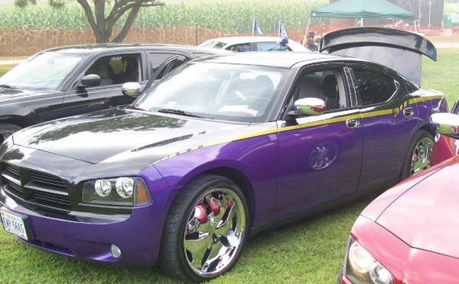 rides cars dodge charger ravens