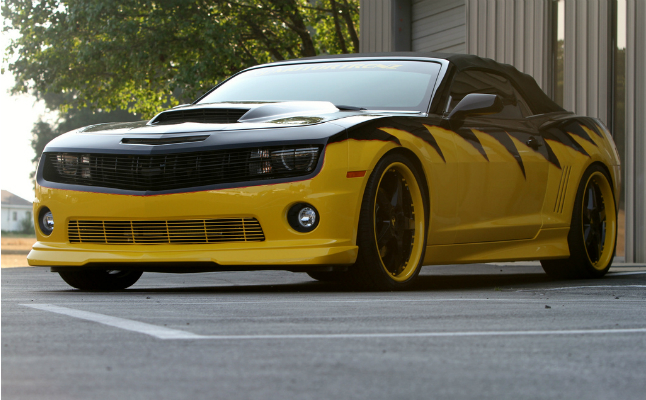 rides, camaro, motor, trenz, motortrenz, customs, yellow, black, rims, chevy, chevrolet, maro, interior, yellow jacket
