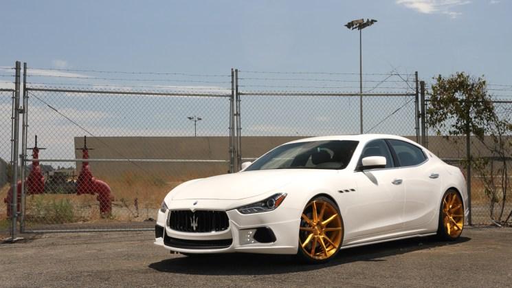 Savini-Black-di-Forza-BM12-brushed-gold-Maserati-Ghibli-1