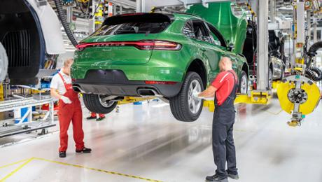 Start of prolongation for a new Macan