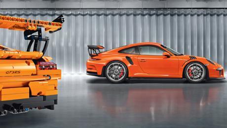 A Porsche done of 2,704 parts