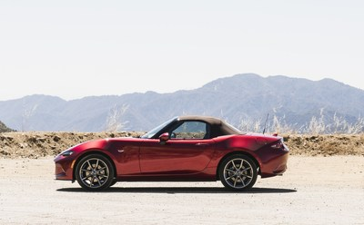 2019 Mazda MX-5 with new brownish-red soothing tip (CNW Group/Mazda Canada Inc.)