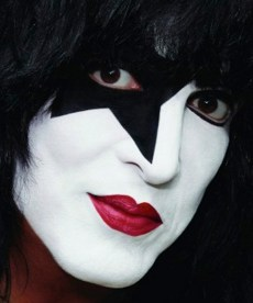 Paul-Stanley-close-up