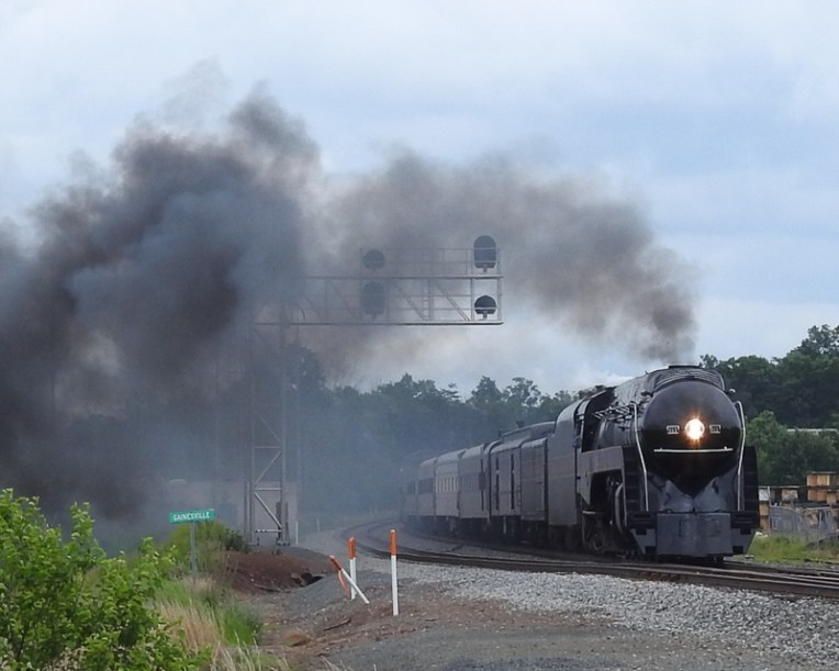 NW611, the Spirit of Roanoke