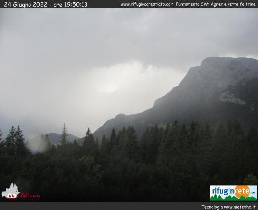 Rifugio Carestiato - Vista sul Monte Agner e sulle Vette Feltrine