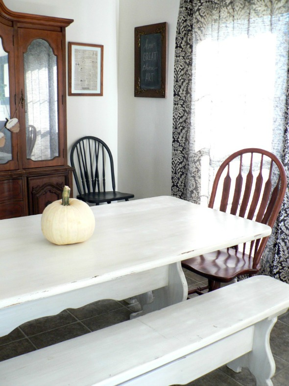 farmhouse table makeover by Riggstown Road