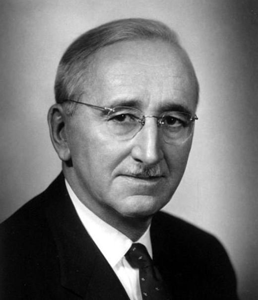 FA Hayek: Socialism in Theory vs. Practice