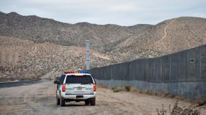 US authorities issue warning after group stops migrants