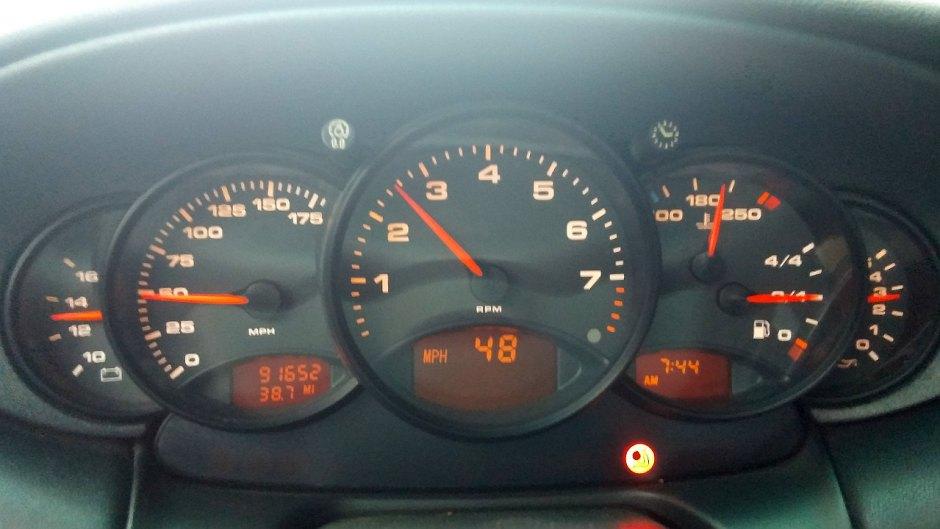 Porsche 996 Gauge Cluster with Airbag Light
