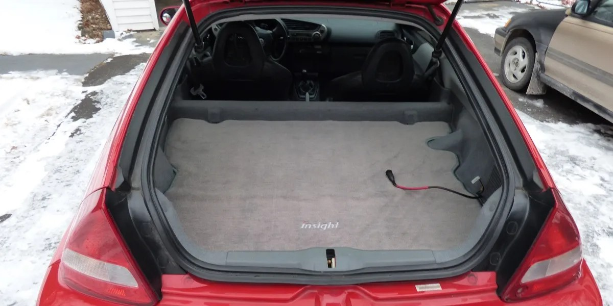 Honda Insight cargo area