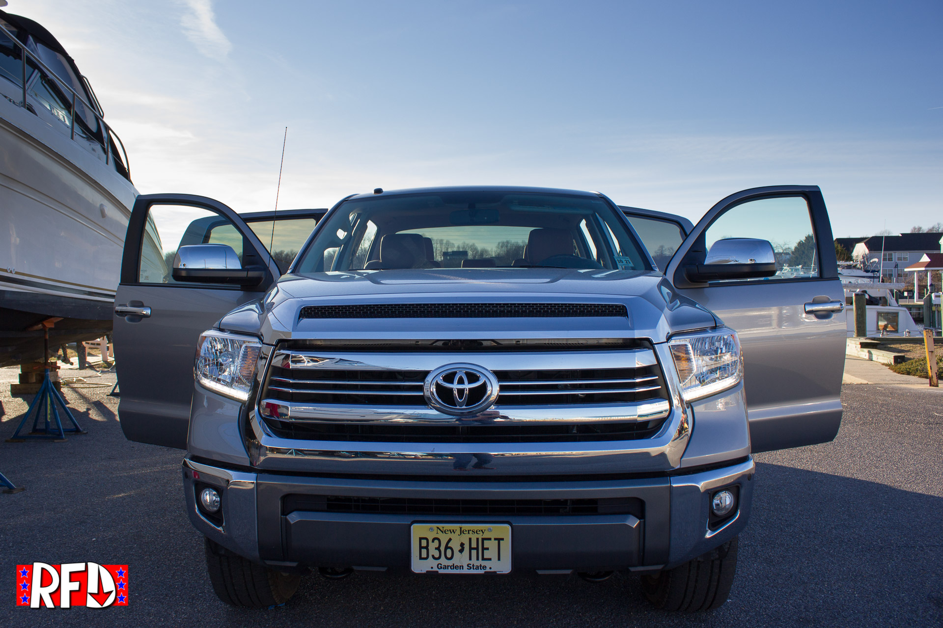 review 2017 toyota tundra 1794 edition crewmax right. Black Bedroom Furniture Sets. Home Design Ideas